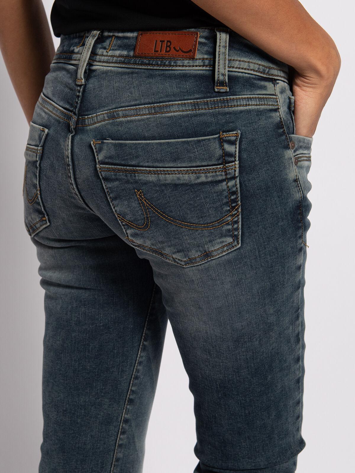 Valerie Jeans