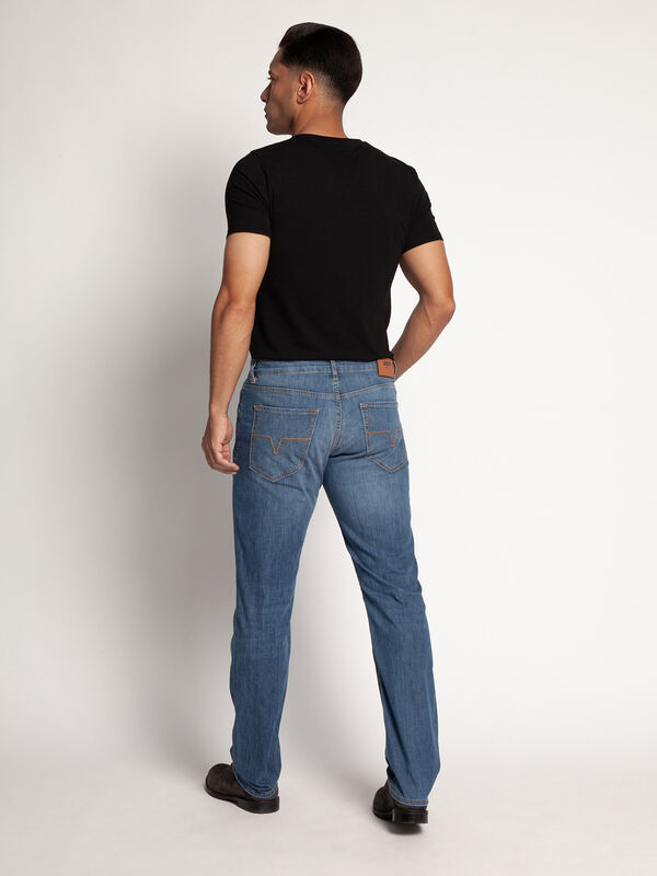 Roy Jeans